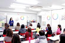 色彩検定 講座の授業風景